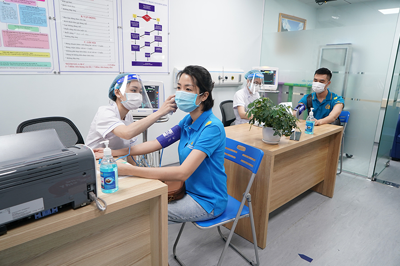 Vietnam Airlines' staff and attendants to be vaccinated against Covid-19