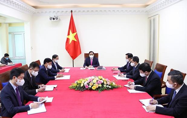 Vietnamese, Japanese PMs discuss bilateral ties over phone
