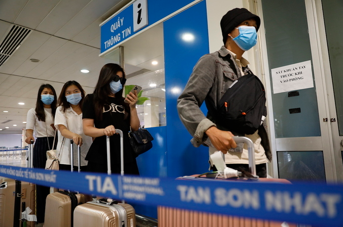 Vietnam warns citizens to stay cautious with 'vaccine tourism'