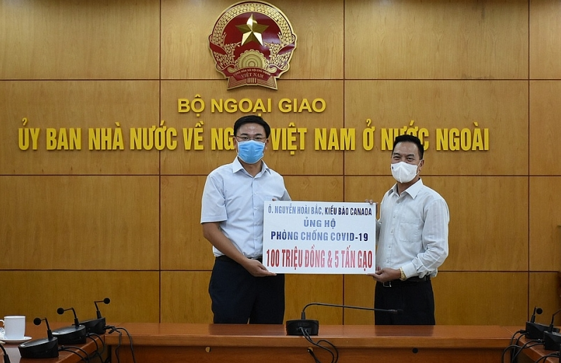 Overseas Vietnamese businessmen support Covid-19 prevention and control