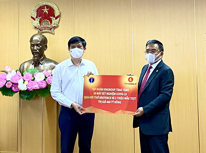 Thirty first Covid breathalyzers donated by Vietnamese richest man's group