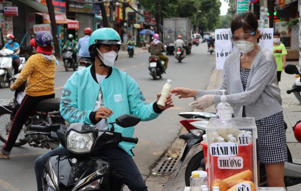 Ho Chi Minh City citizens show kindness amid Covid-19 lockdown