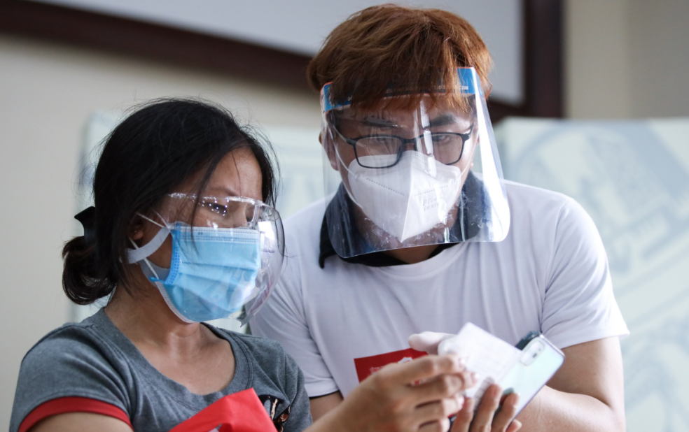 Vietnamese artists volunteer in Ho Chi Minh City vaccination campaign