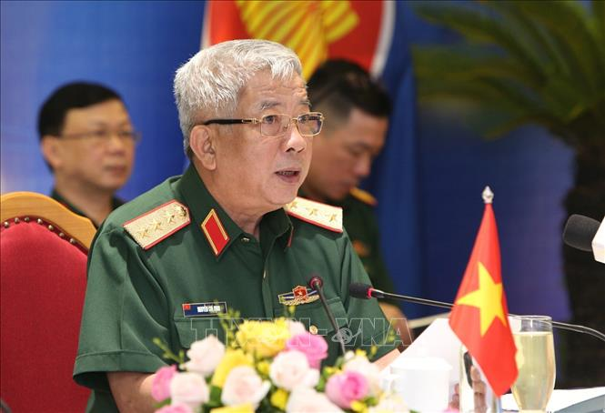 vietnam russia military leaders meet up to promote defense cooperation
