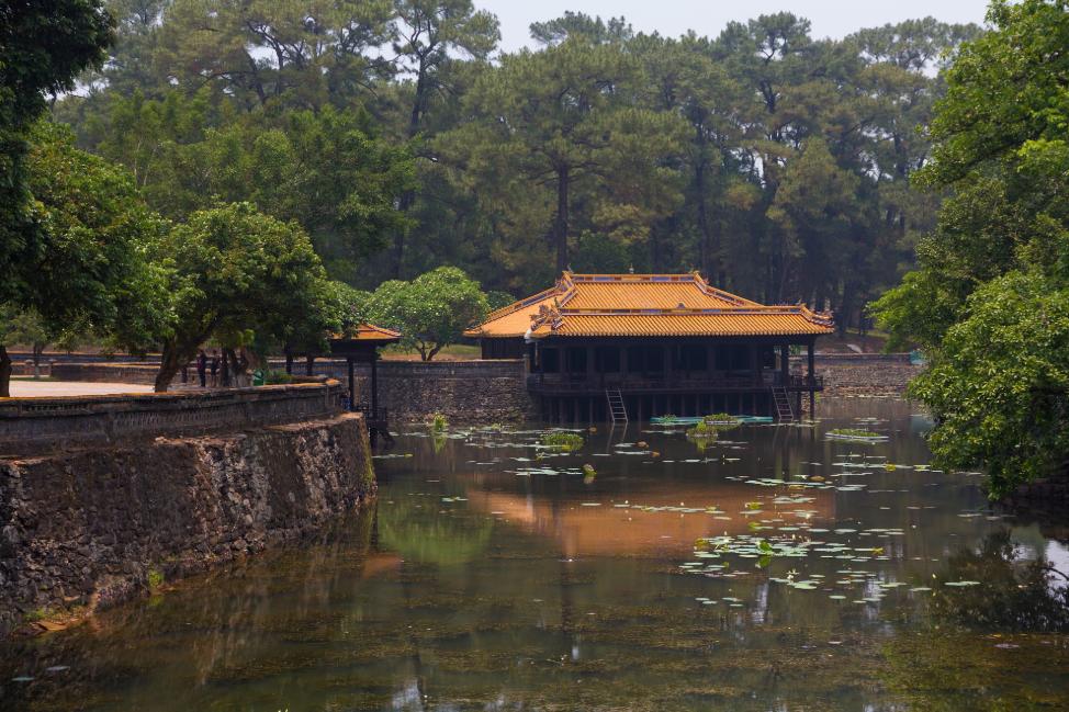the antique beauty of emperor tu ducs tomb through international lenses