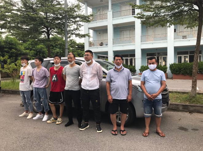 another batch of five chinese illegally enter vietnam caught on the way to noi bai airport