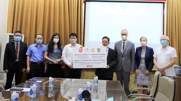 Vietnam Covid-19 Updates (July 3): 633 new cases, eight million vaccine doses expected