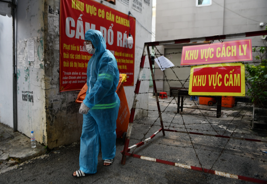 Vietnam Covid-19 Updates (July 8): 1,044 New Cases, HCMC Continues Social Distancing