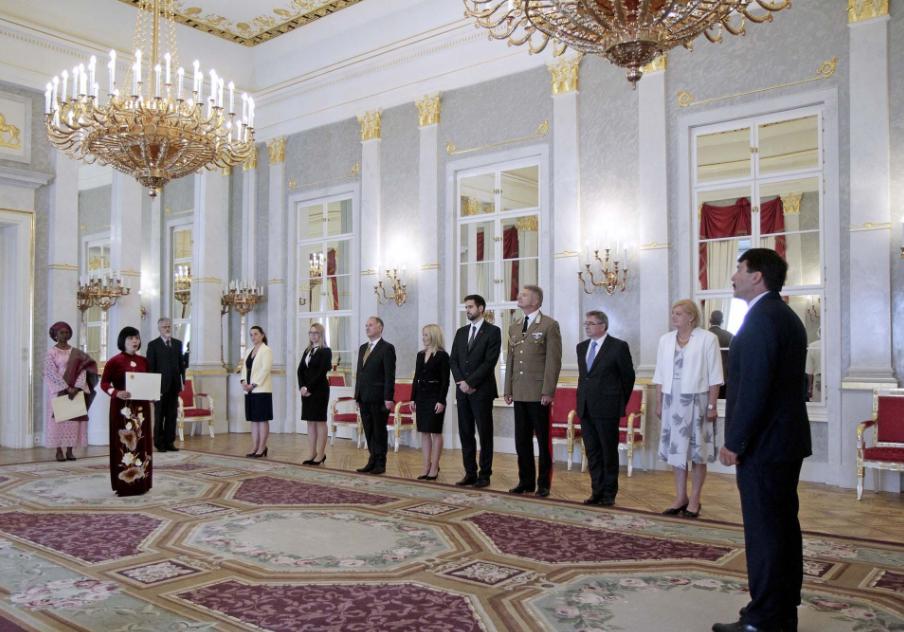 Hungarian President Praises Vietnam's Development Achievements