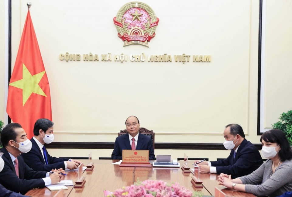 Vietnamese State President Holds Phone Talks With Romanian Counterpart