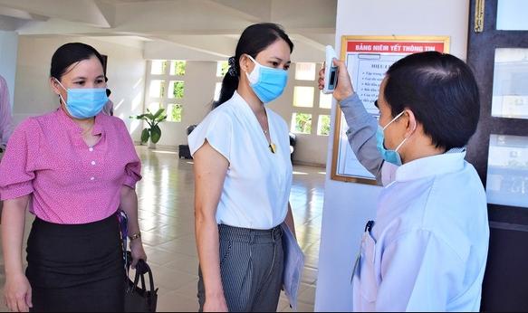 covid 19 updates august 18 7 fresh cases hanoi raises level of social distancing