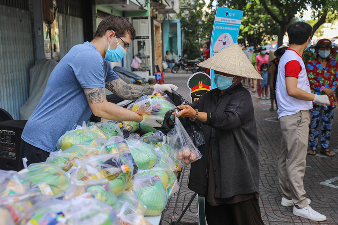 Vietnam Covid-19 Updates (August 6): Zalo's New Tool Helps Covid-19 affected people
