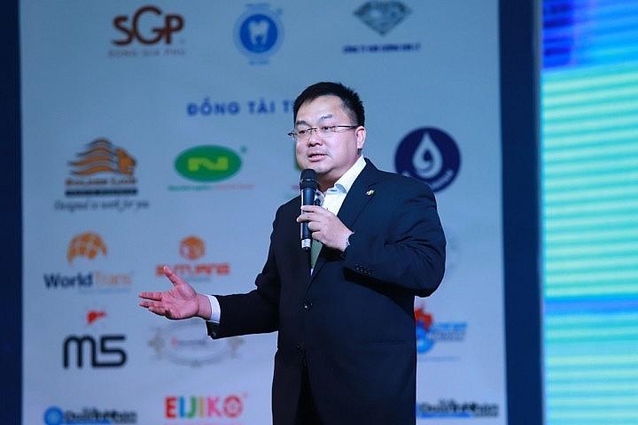 Leaders of Vietnamese Big Corps: No Back Down Despite Pandemic