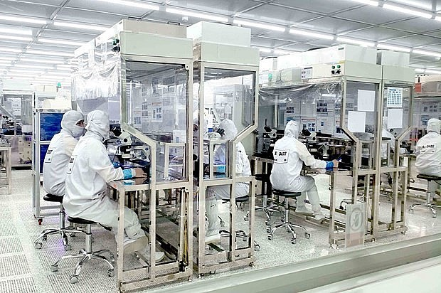 Vietnam's Overseas Investment Increases 74 Percent Over Eight Months