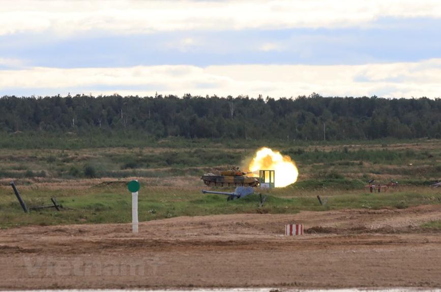 in photos vietnamese tank team competes in the tank biathlon semi finals