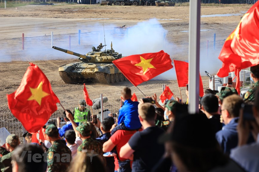 in photos vietnamese tank team competes in the tank biathlon semi finals