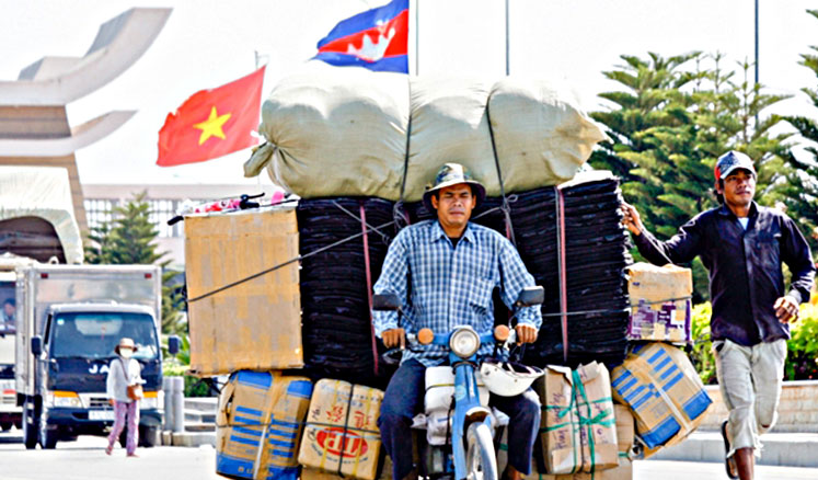 cambodia plans another border gate with vietnam