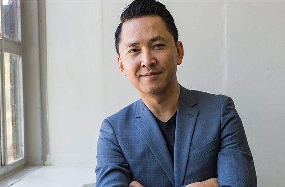 Nguyen Thanh Viet - first Vietnamese-born writer to enter the Pulitzer judge board