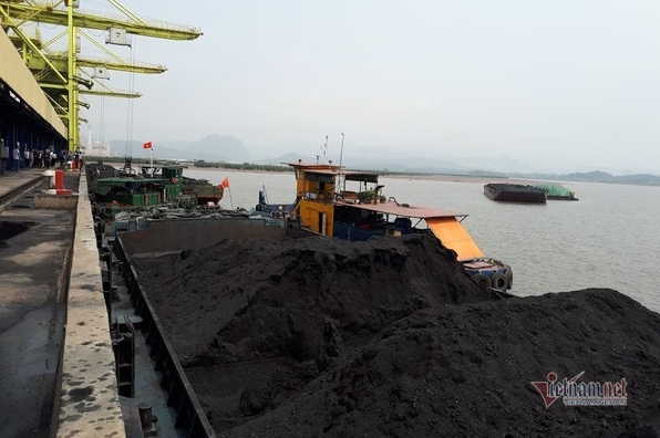 Vietnam imports more coal and oil as natural resources depleted