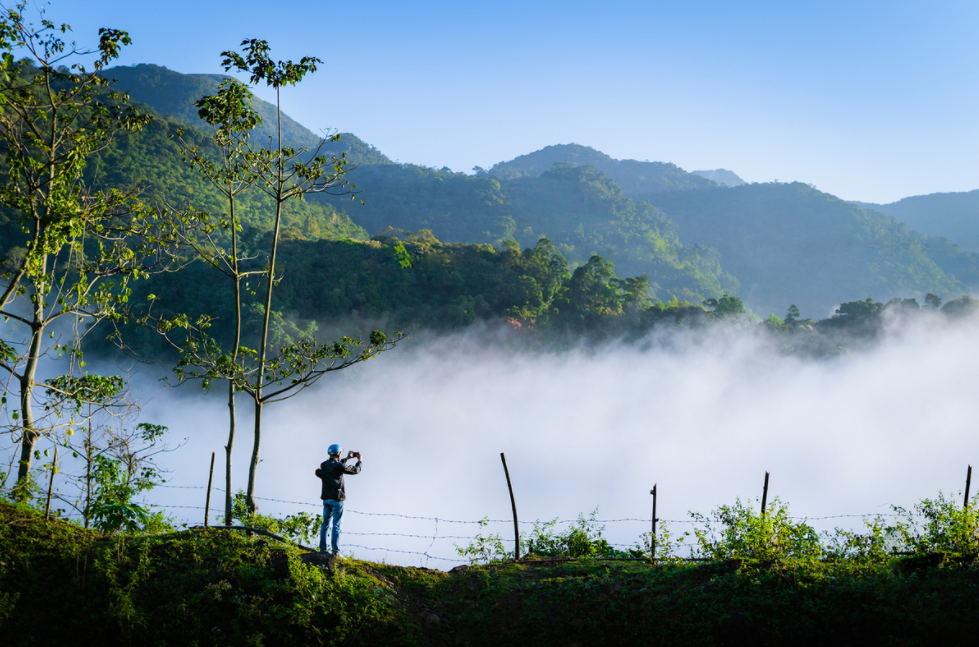 quang tri mountainous areas engulfed in morning mist