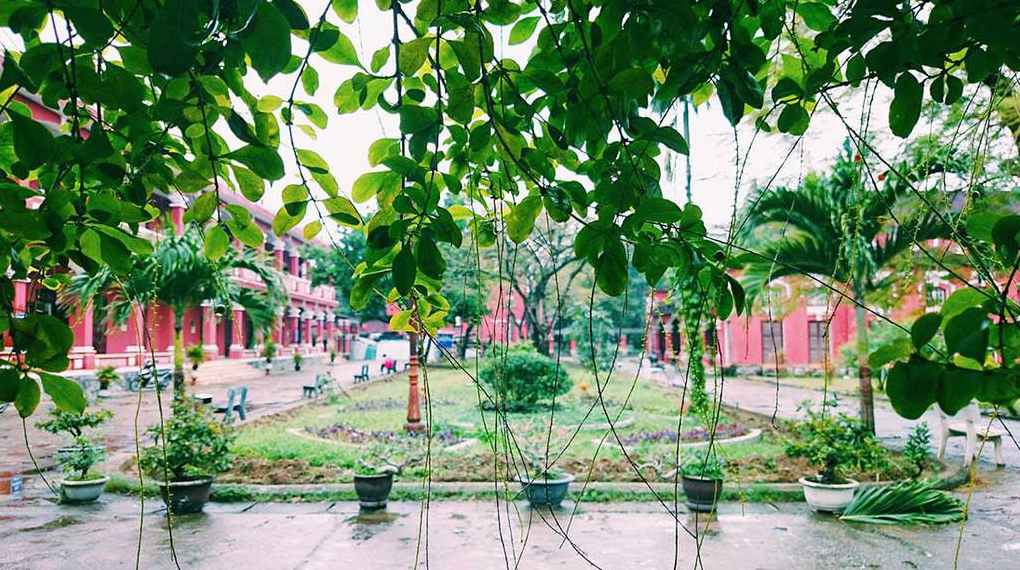 top 3 schools universities in hue famous for its photogenic architecture