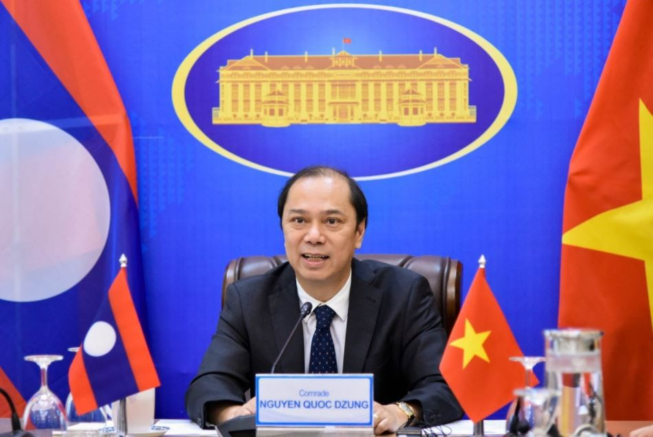 Vietnam, Laos Hold Political Consultation On Bilateral Ties