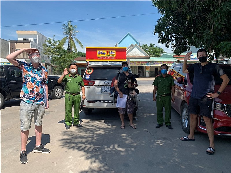 Expats in Vietnam Appreciate Support From Police During Lockdown