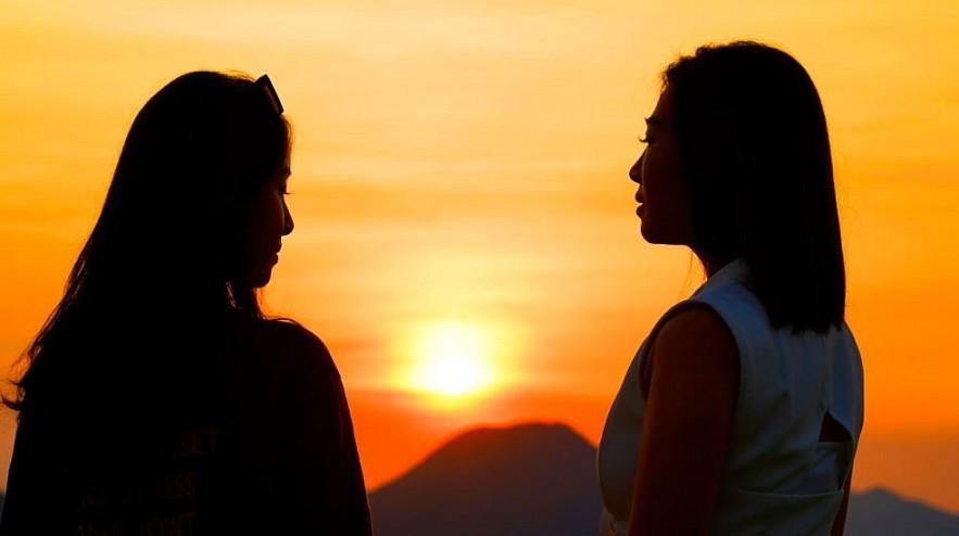 Experience the Sunlit Peaks of Beautiful Ha Long