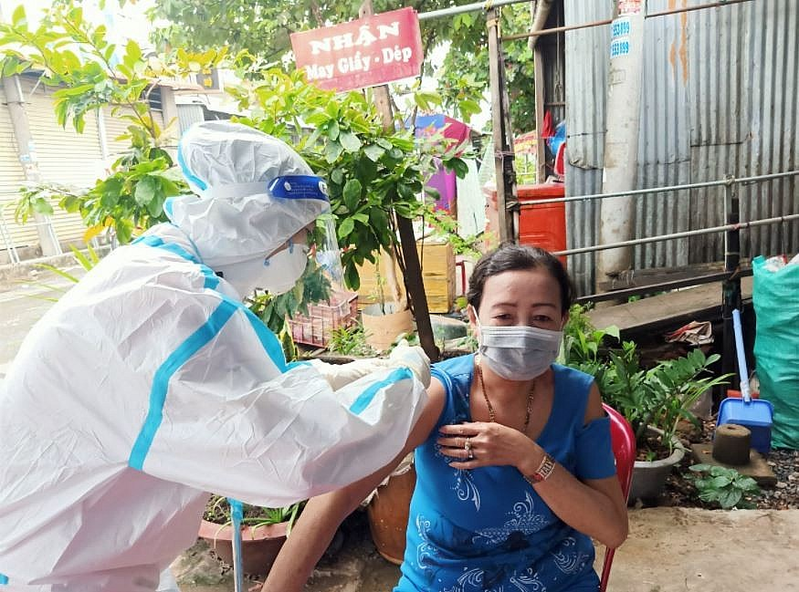 Vietnam Covid-19 Updates (September 24):  Van Don Welcomes Passengers With Vaccine Passports