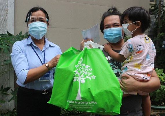 Ho Chi Minh City Supports Foreigners Amid Pandemic