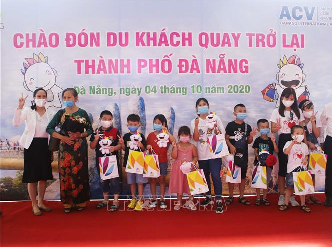 covid 19 updates october 5 da nang welcomes first tourist group since covid 2nd break