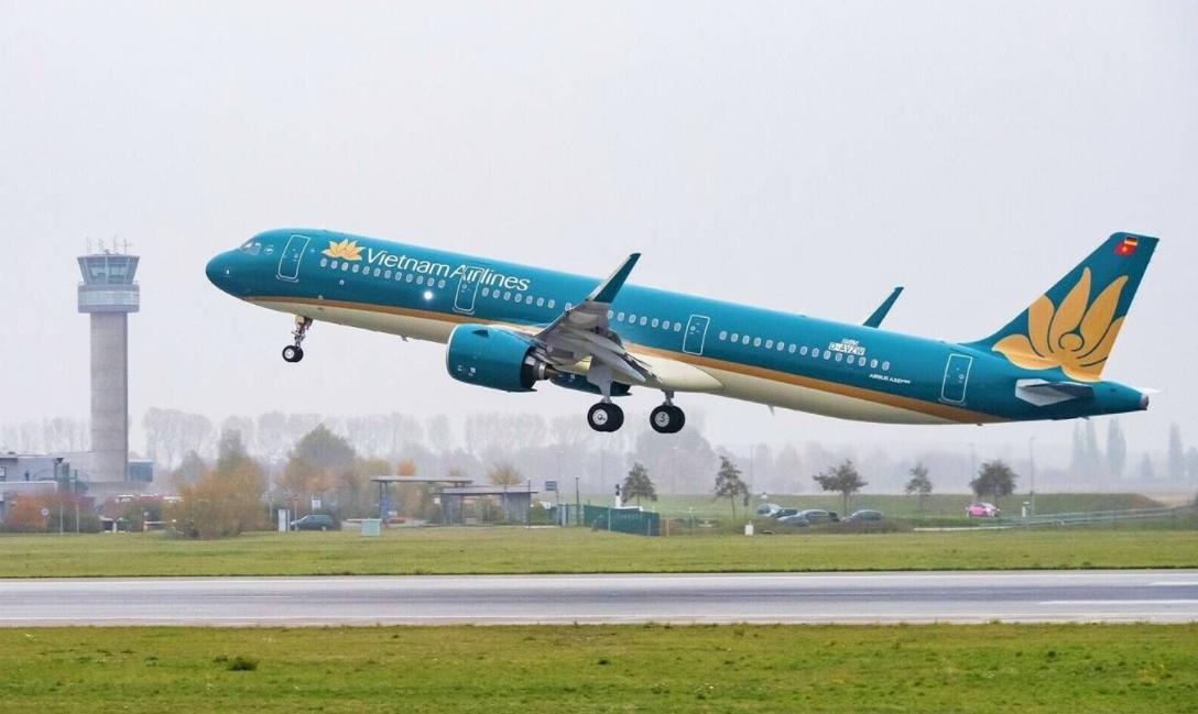 proposing to shorten noi bai airport closure due to increasing domestic flight demand