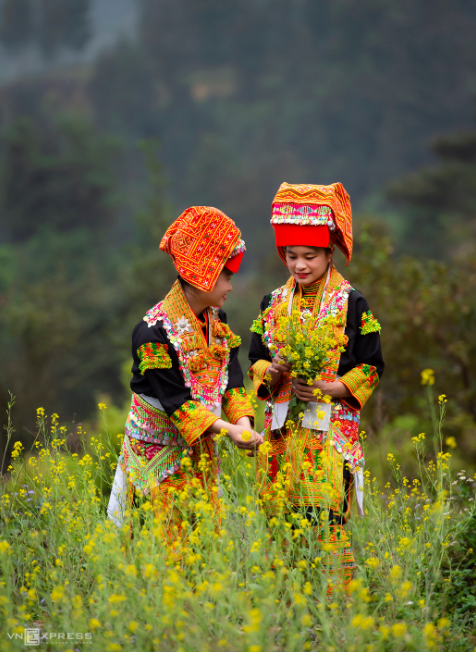 amazing photos depicting everyday lives of dao ethnic locals in mau son
