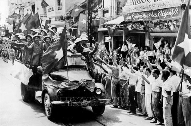 in photo a throwback of hanois liberation on october 10 1954