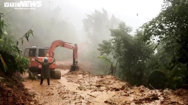 13 people missing in hydropower plant dangerous landslide inaccessible locale