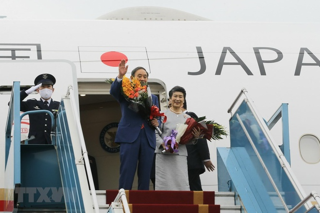 japanese prime minister and his spouse conclude vietnam visit