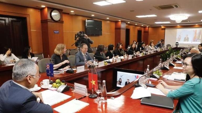 Vietnam, New Zealand seek ways to foster trade and economic links