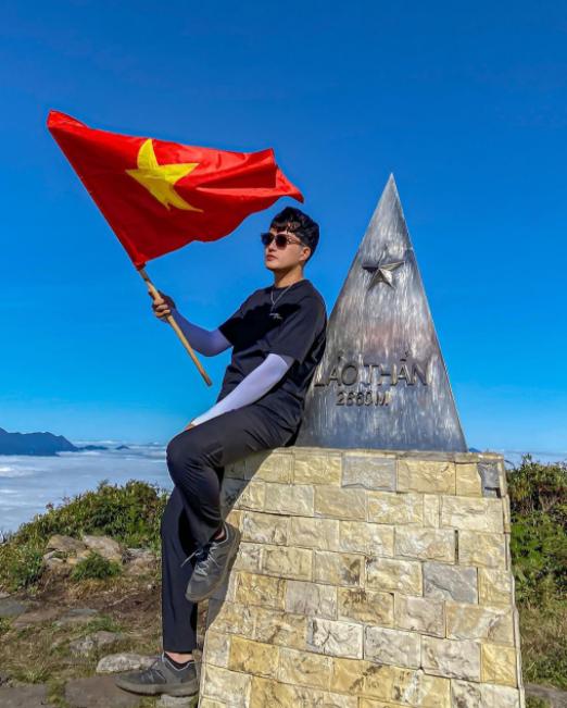 Hungting clouds in Lao Than peak, new adventurous destination
