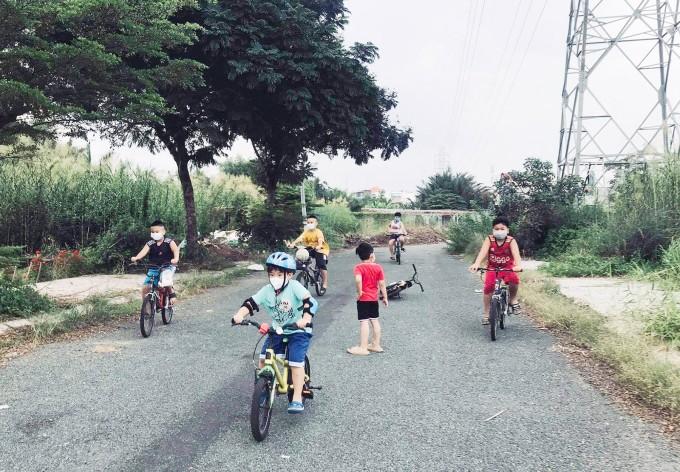 Ho Chi Minh City Residents Enjoy 'New Normal'