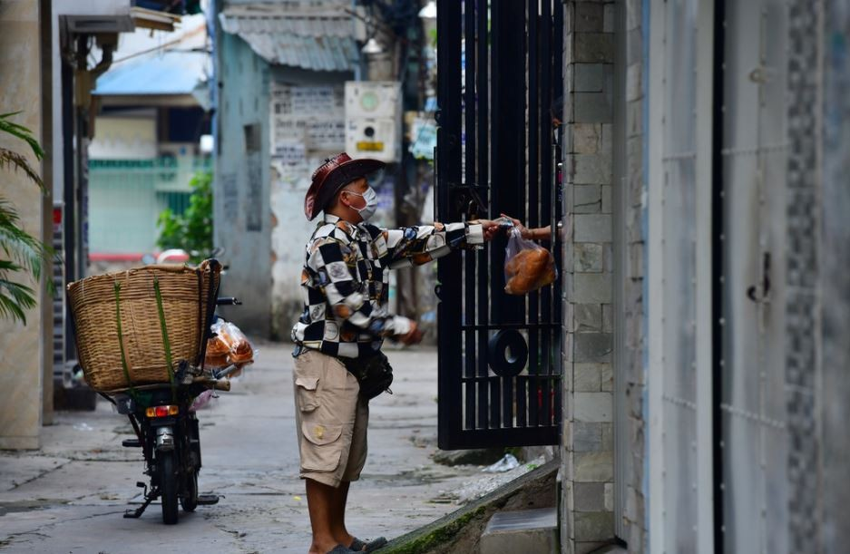 Vietnam Covid-19 Updates (October 5): 5,382 New Cases, HCMC Surpasses 400,000 Case Mark