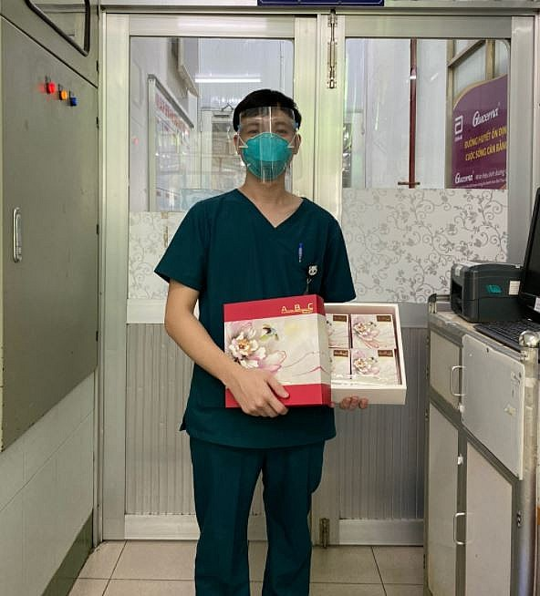 Laotian Doctor Joins Anti-pandemic Force in Ho Chi Minh City