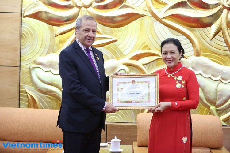 Algerian Ambassador Granted VUFO Friendship Medal
