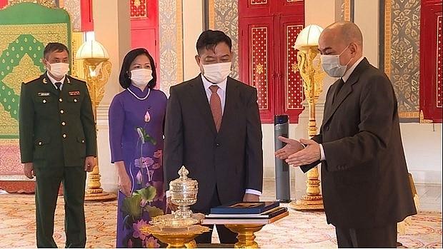 Cambodian King Appreciated Flourishing Ties with Vietnam