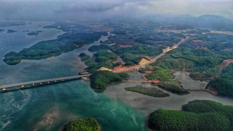 Best Costal Roads in Vietnam