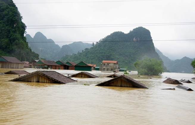 united states announces additional humanitarian assistance in response to flooding in vietnam