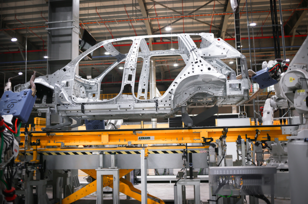 Vietnam promotes automobile industry by changing tax & customs policies