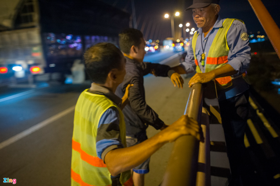 rescue squad to save suicidal cases on can tho bridge
