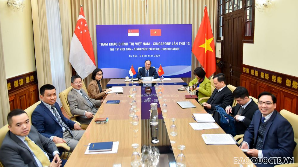 Vietnam, Singapore holds 13th Political Consultation in virtual form
