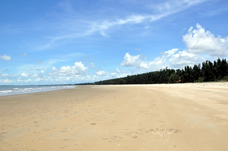 impressive landscapes in vietnam longest beach road largest lagoon biggest island and more