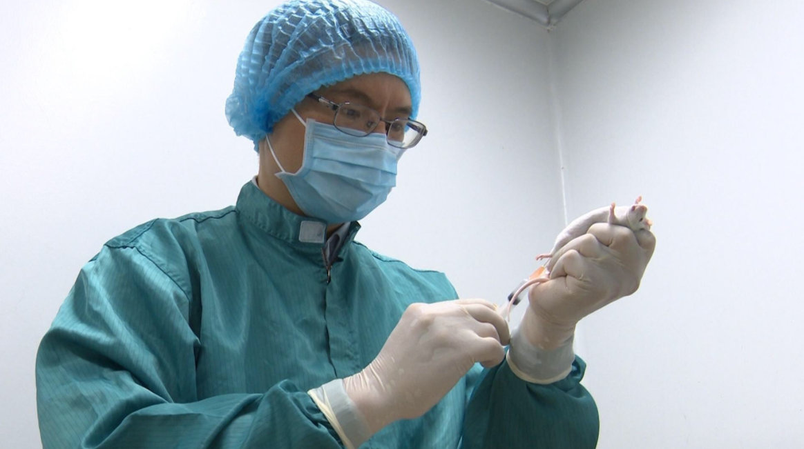 covid 19 updates dec 27 first three volunteers receive 50mcg dose of vaccine